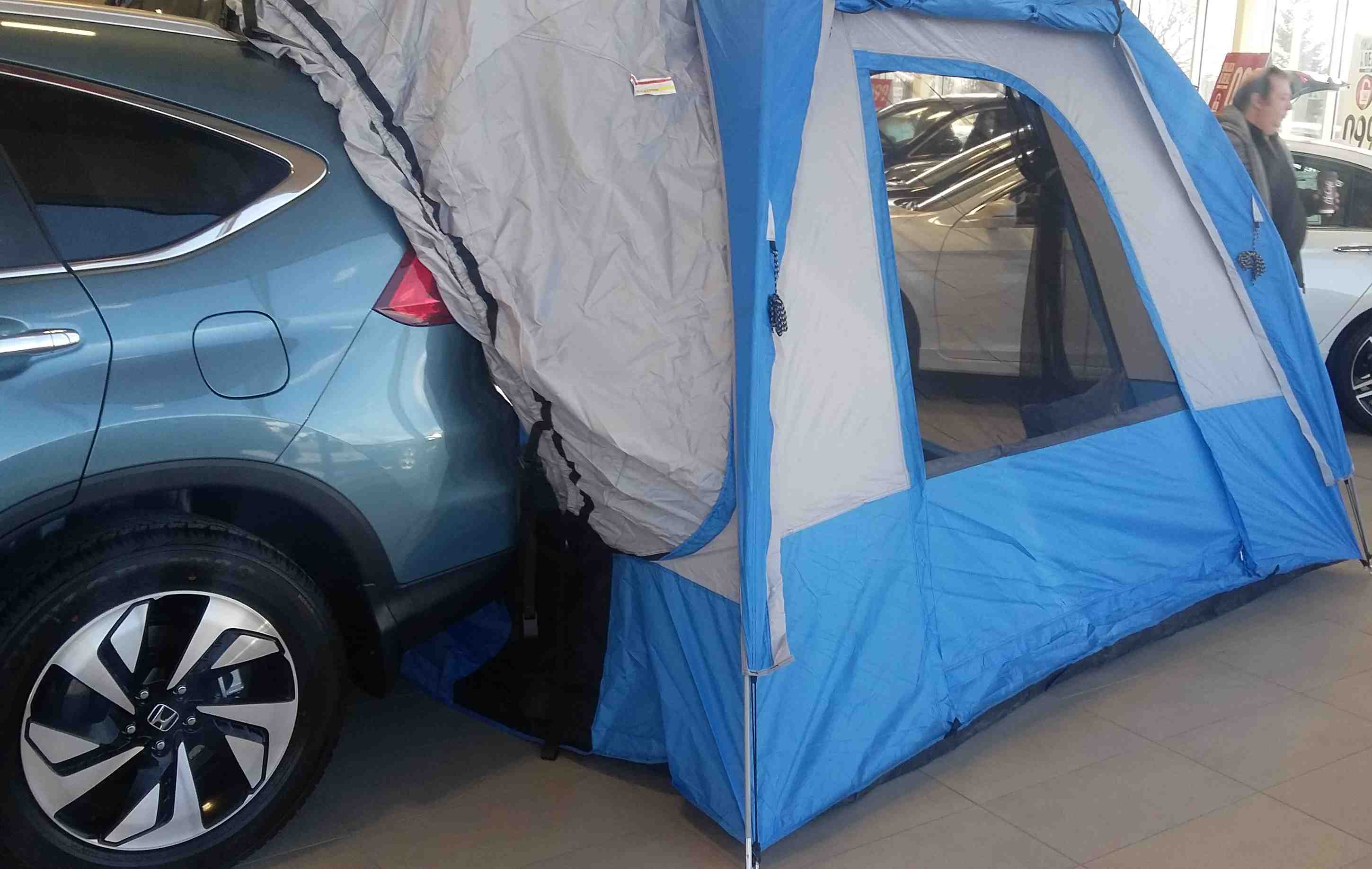 On its own the 2016 CR-V is already road trip ready. Its ECON button and Earth Dreams engine with CVT keeps fuel costs to a minimum. & Showroom Showoff: Tent Edition - Dow Honda