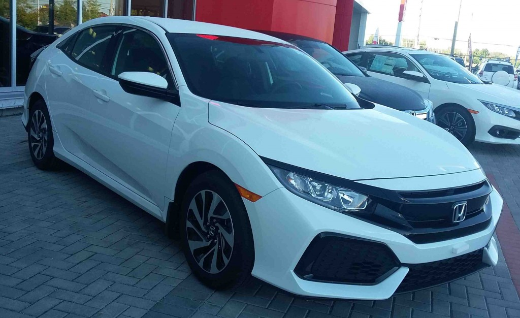 showroom showoff 2017 civic hatchback lx dow honda