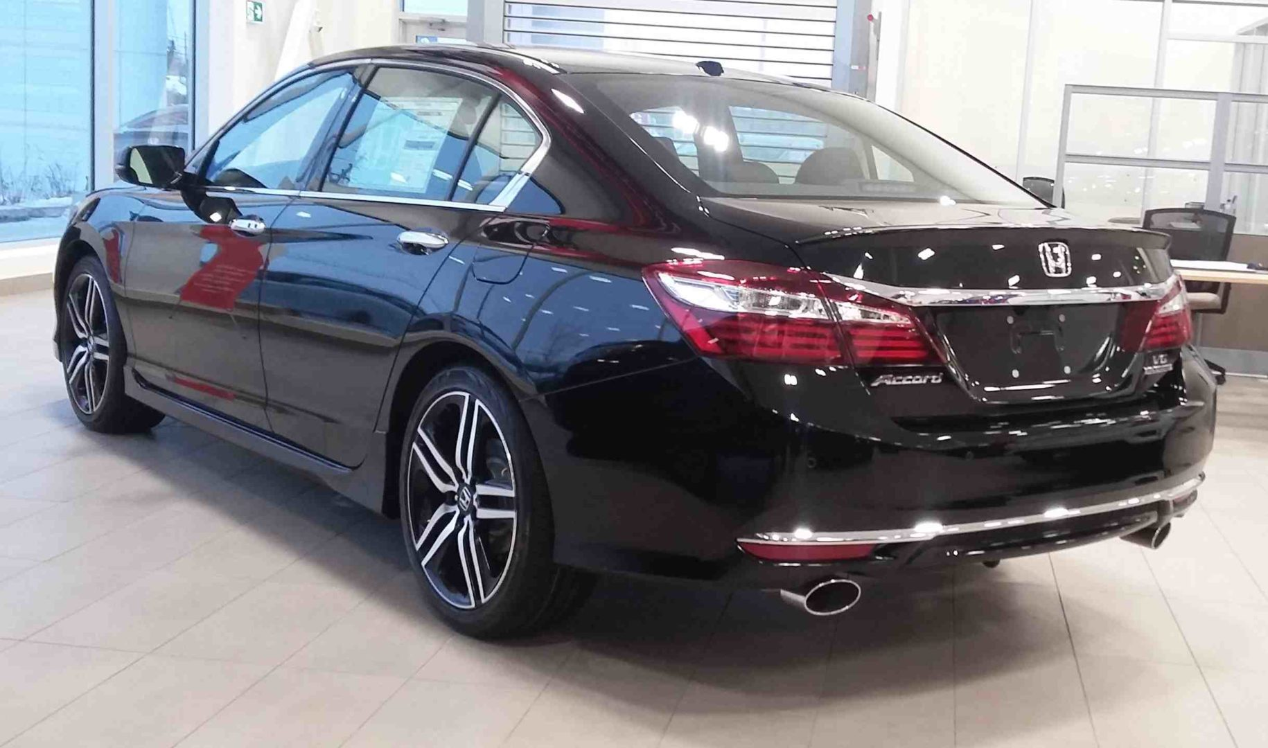 2017 Accord Dow Honda